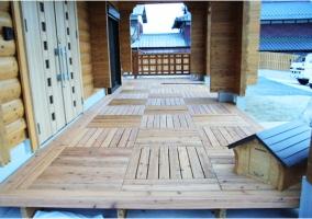 玄関ポーチ(屋根付き)